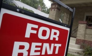 Average Kelowna rent dips